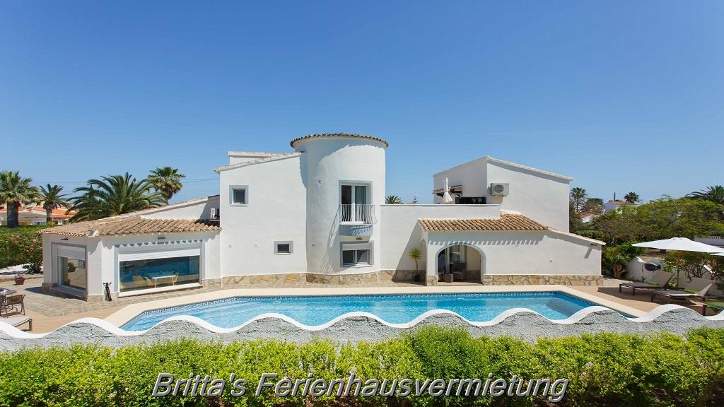 3. Casa Felizia Vacation Home